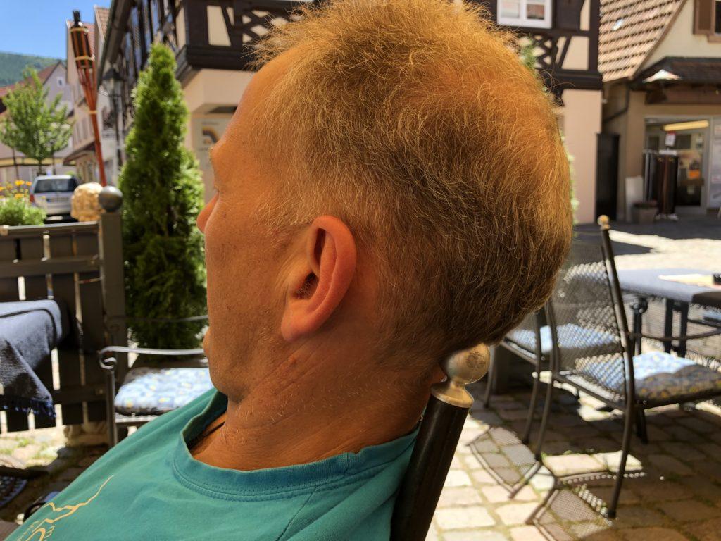 Faszien oder Muskeln behandeln am Stuhl, mit Ball oder Rolle, gegen Kopfschmerz, Schwindel, Rückenschmerz
